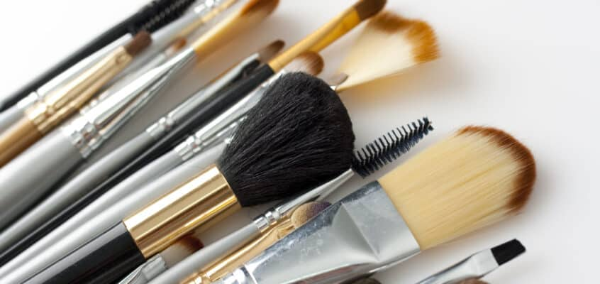 Best Way To Clean Makeup Brushes In A Rush
