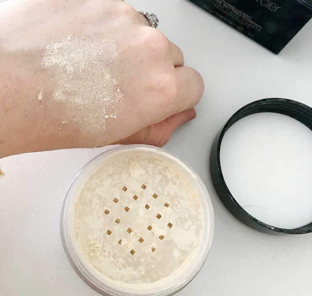 laura mercier translucent loose setting powder swatch