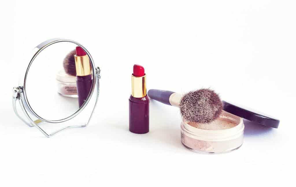 set your lipstick