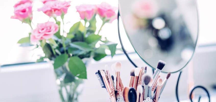 Cheap Makeup Organizer Ideas For Small Spaces