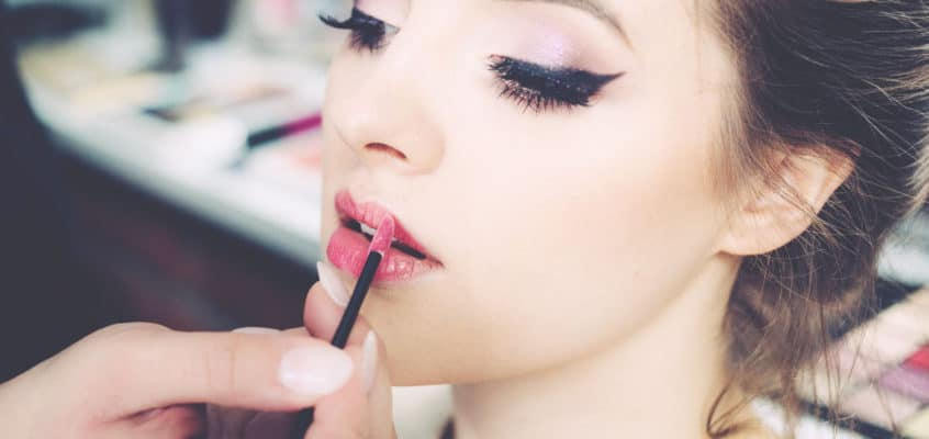 Are You Applying Your Makeup Right? How To Apply Makeup To Look Younger