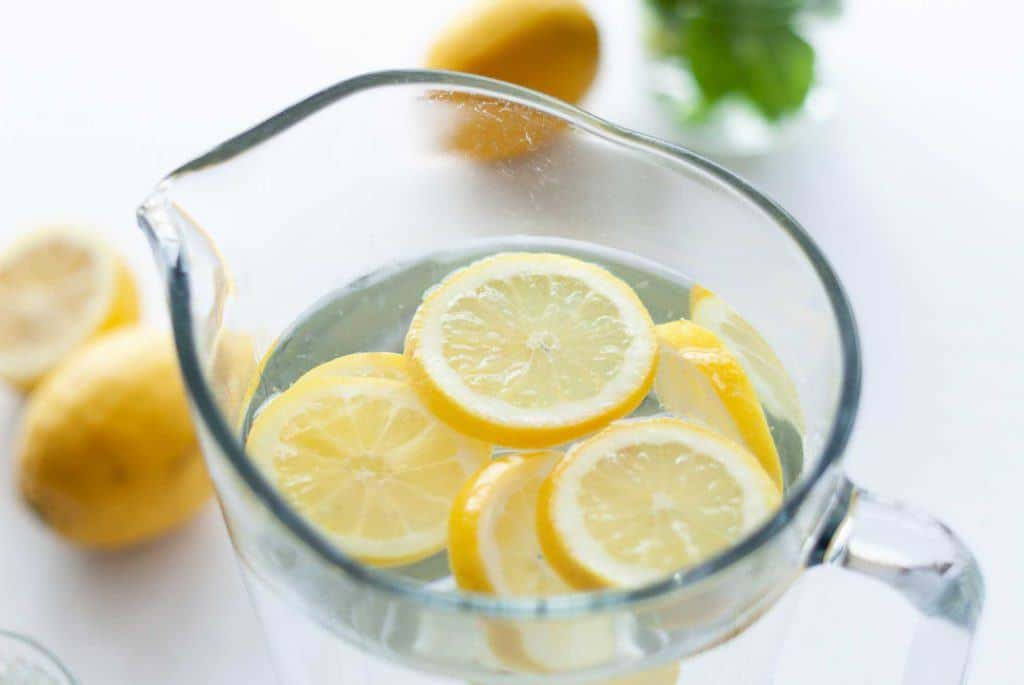 use lemon juice to clear acne scars