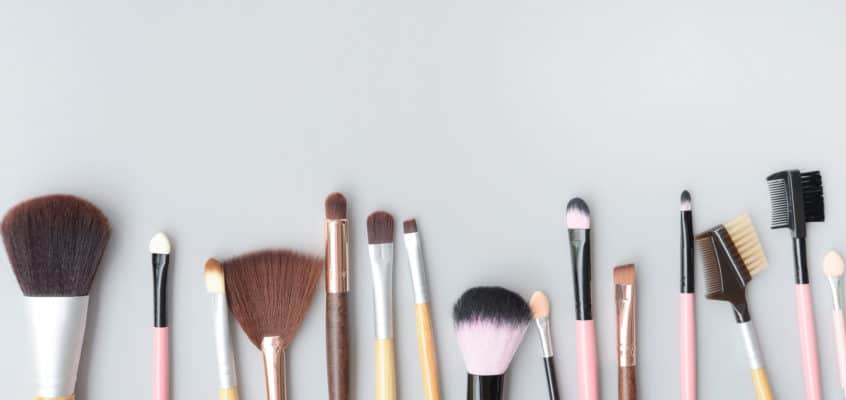Confused about which makeup brushes do what? Get the 411 on all makeup brushes here!
