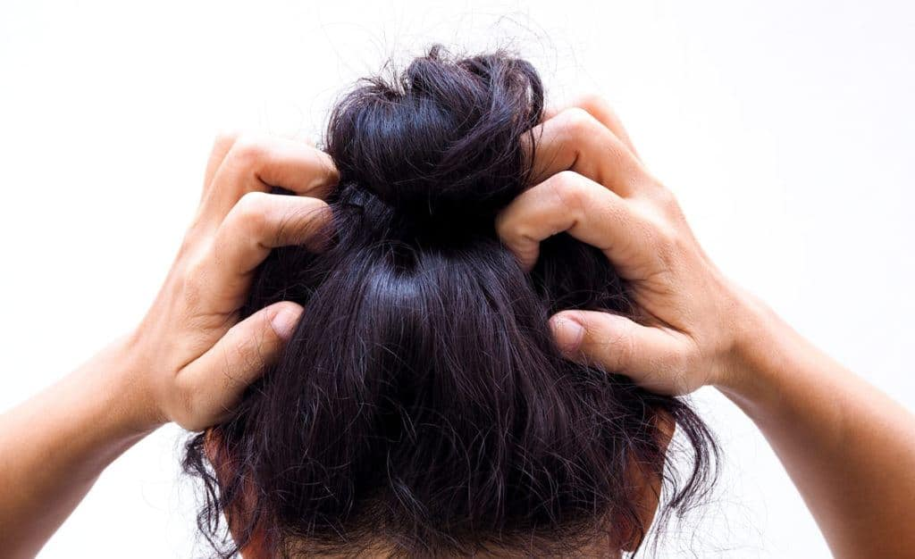 Get-Rid-Of-Oily-Hair-Fast-With-These-10-Tips