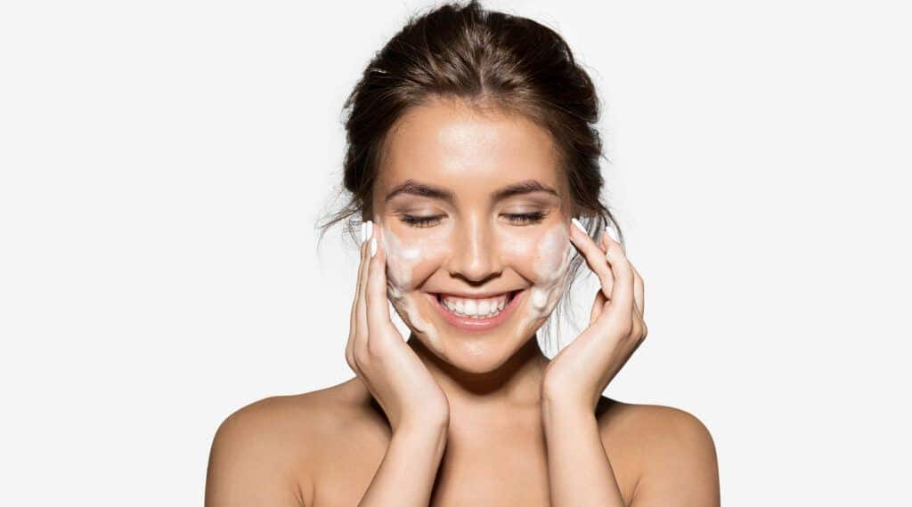 5-Tips-on-How-to-Get-Smooth-Skin-Naturally