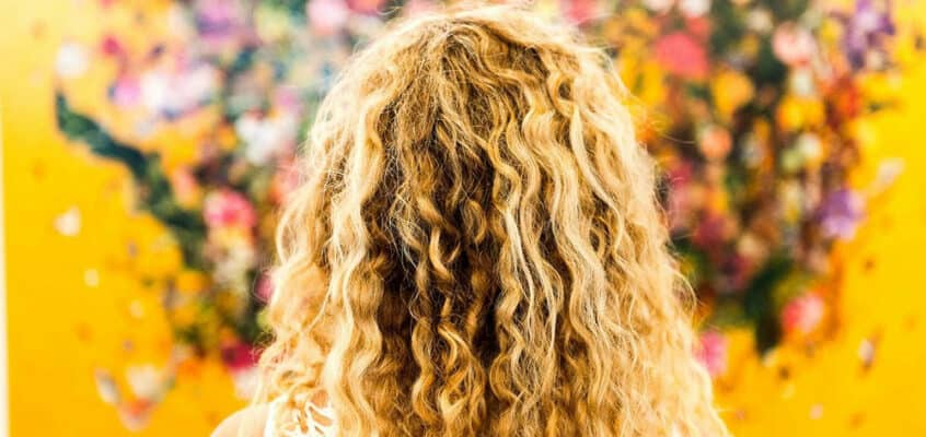 9 Tip On How To Manage Curly Hair