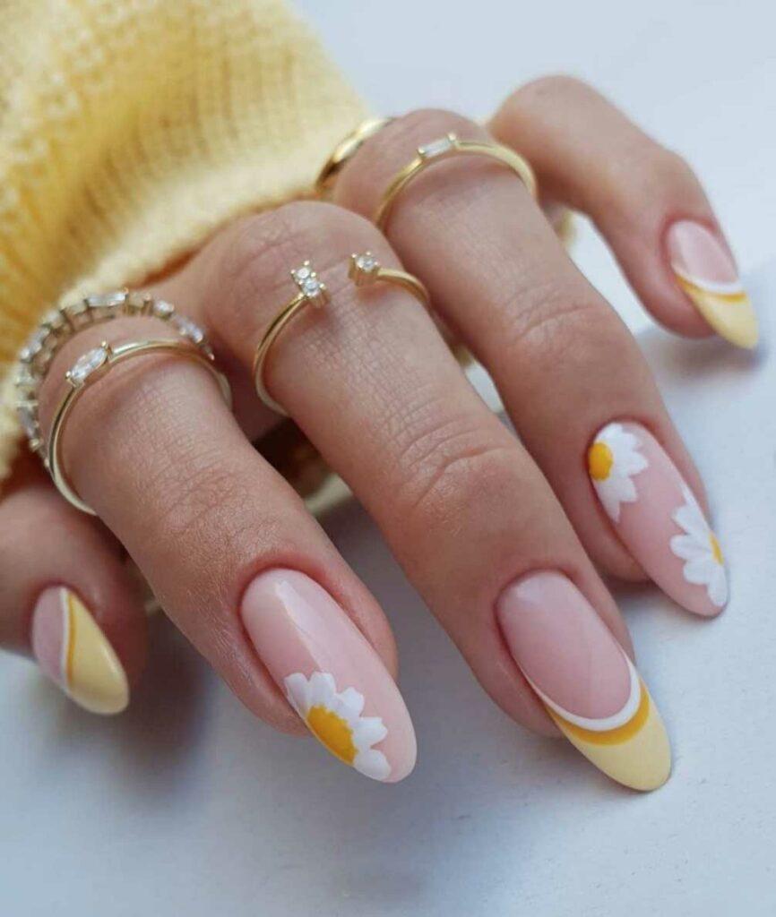 Blooming Daisies Nails