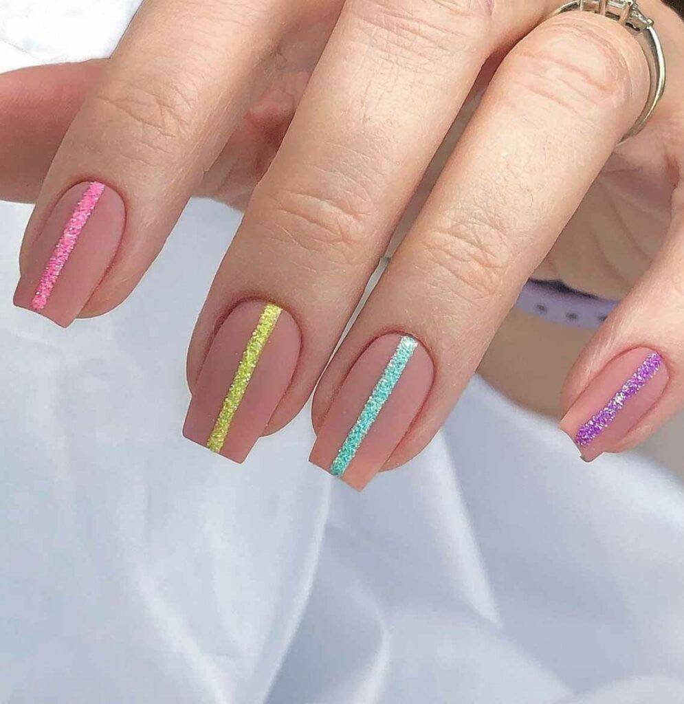 Accent Line Nails