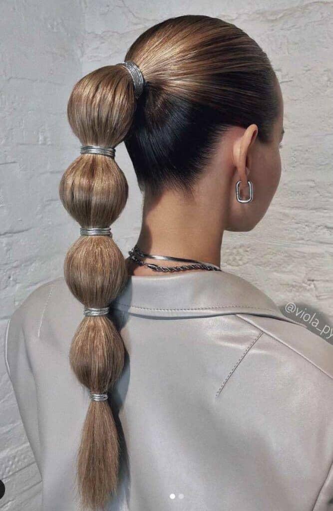 Bubble effect ponytail