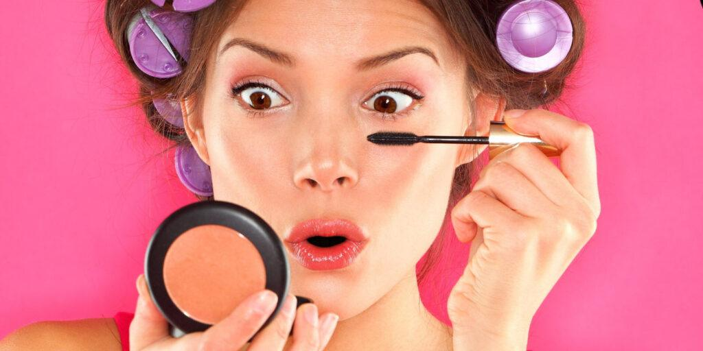 10-Makeup-Mistakes-That-Make-You-Look-Old